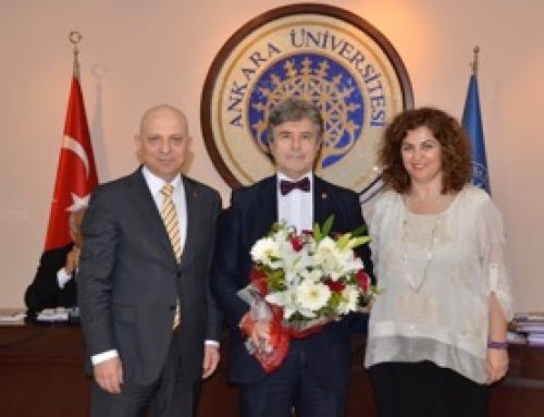 Prof. Dr. Çetin Erol'a Teşekkür Plaketi